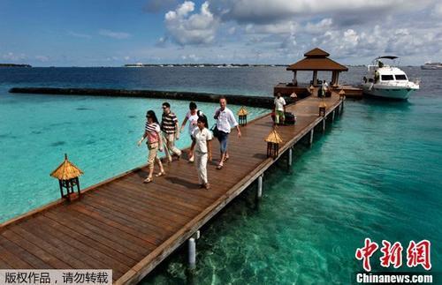 8亿卢菲亚,外国赴马游客123.4万人次,同比增长2.4%.