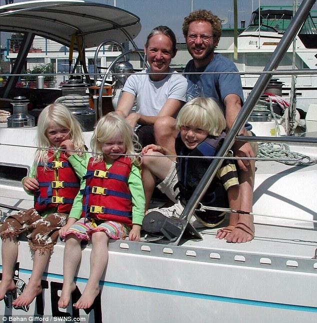 美国五口之家放弃舒适生活 10年来一直生活在海上