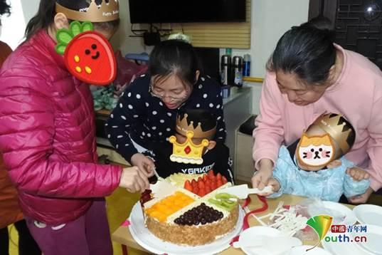 心手相牵传递温暖与力量 北京什刹海街道残联为孩子们