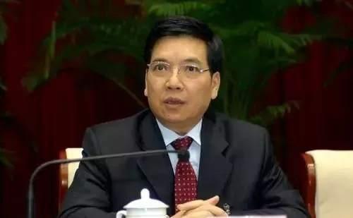 云南省委原书记秦光荣主动投案接受调查