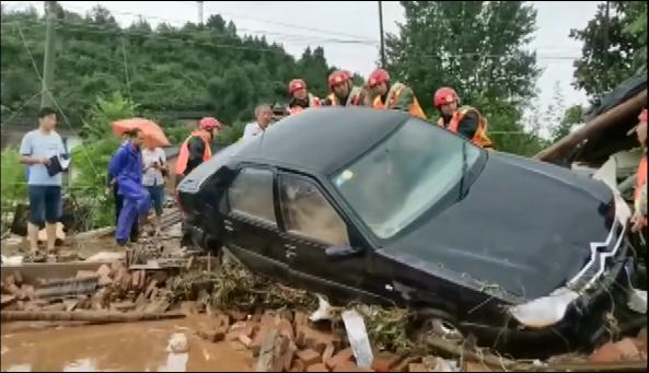 湖北十堰局地暴雨突發山洪 導緻8人遇難多人失聯