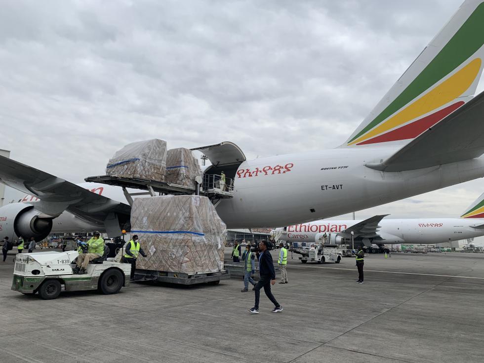 中国支援非洲抗疫!埃航机组对话催泪 曼德拉名言励志