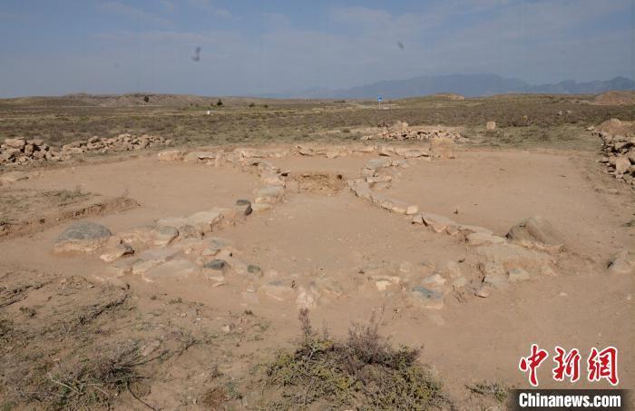 恒行注册:内蒙古阿拉善发现一座青铜时代晚期