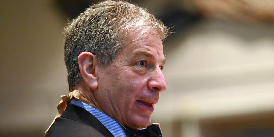 百事2注册:美国一市长宣布辞职 被前女友揭发在