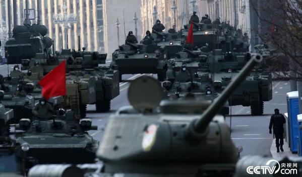 俄罗斯进行胜利日阅兵彩排