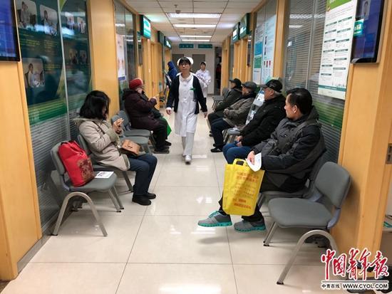 澳门金沙网上娱乐官网:社区医院里的北医高材生:现实情况非常不乐观