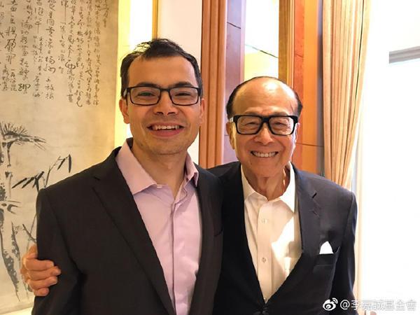 仔和嘉禾负责人邹文怀均认为港产片产量虽下降,但未失去优势.(