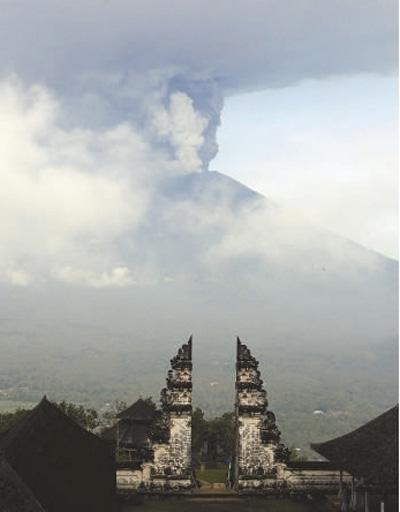 喷发中的阿贡火山.-我国火山基本处于休眠状态 短期内或无喷发风险