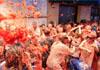番茄节狂欢者玩湿身大战