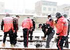 铁路扫雪除冰保安全