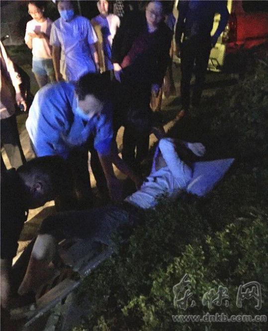 男子被误会在执法现场拍照 遭城管持棍棒围殴