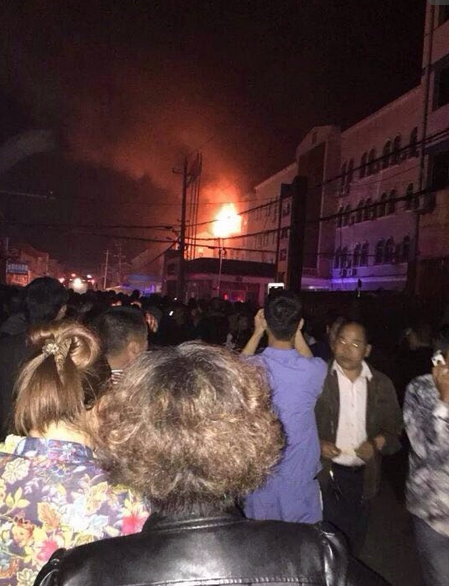 传一架飞机失控堕落在浙江台州工厂仓库(图)
