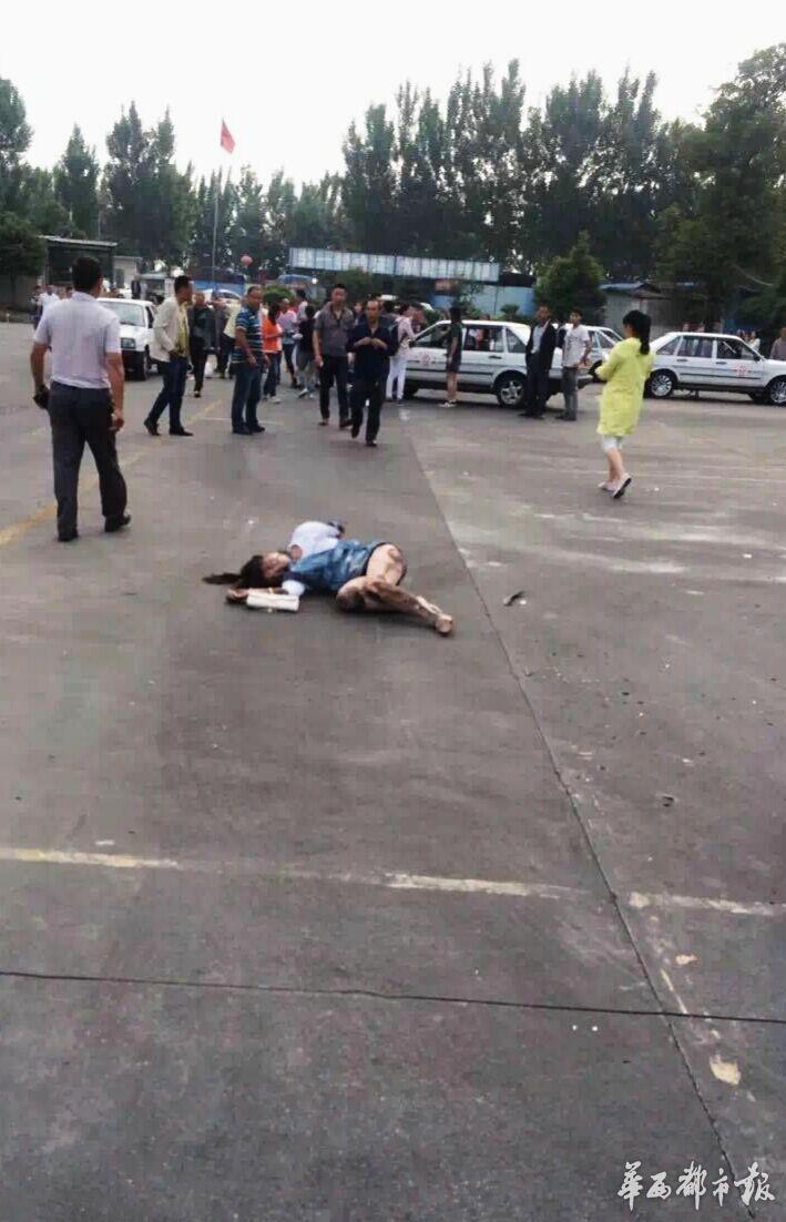 驾校又出事故 学员误将油门当刹车撞伤2人
