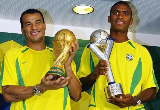 卡福(巴西队:1990-2006 142场5球)-美洲杯巴西队爆冷出局 追忆那图片