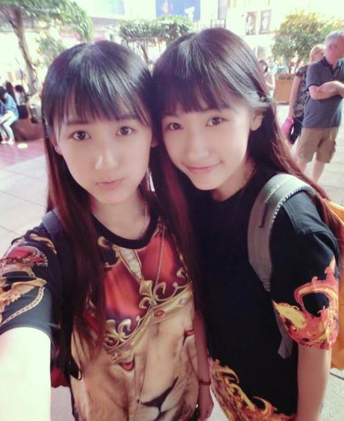 近日,一对来自复旦的双胞胎姐妹校花在网络走红,清纯可爱的模样电晕