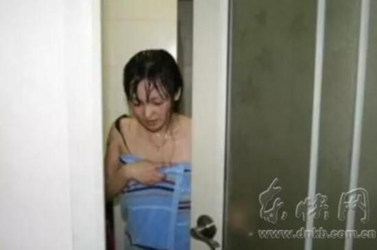 厂长偷拍女员工裸照:让她知道社会险恶(图)