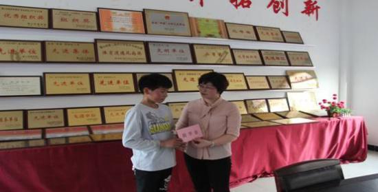 霍山团县委:青春在抗洪一线闪光