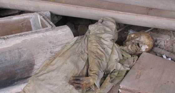 揭开悬棺之谜 实拍崖葬悬棺中的惊悚干尸