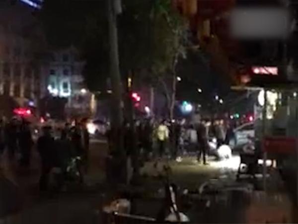 安徽多人疑因调戏女子持菜刀冲突 警方正调查
