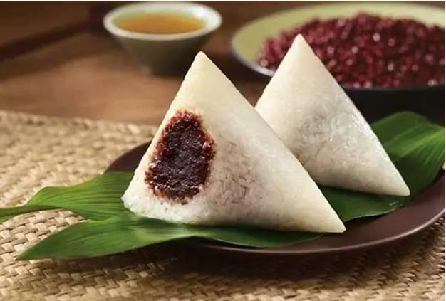 """中国宇航员在太空能吃100种美食,外国宇航员只能吃""""牙膏"""""""