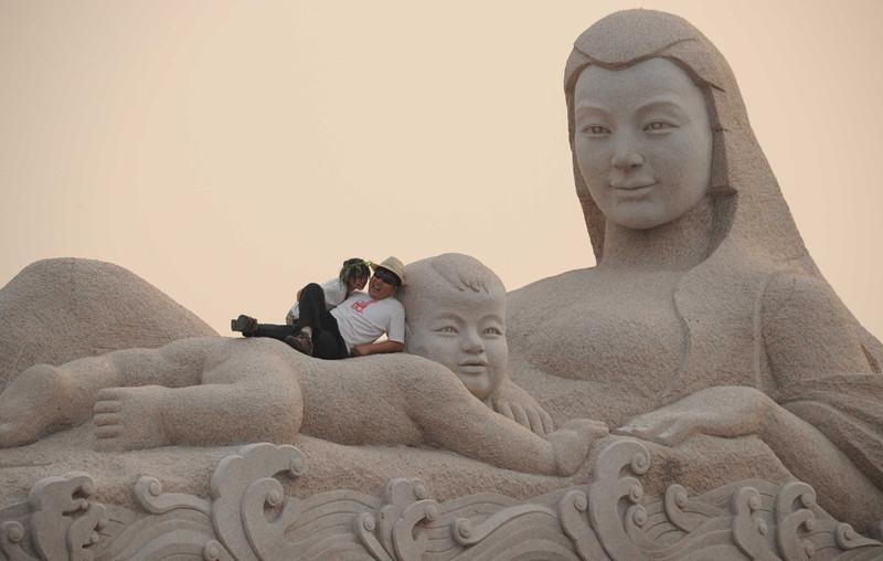 """""""山寨""""黄河母亲雕塑拆除 曾被判赔30万"""
