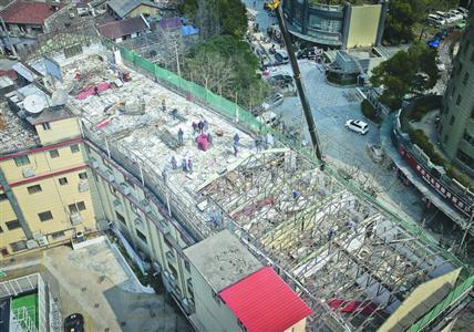 """上海北外滩最大""""空中违建""""被拆_已存在20余年_大香蕉新闻乐点彩票大发不时彩"""