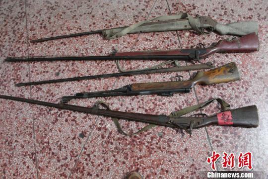 承德公安缉枪治爆行动缴回一个军火库:枪支102支雷管2871枚