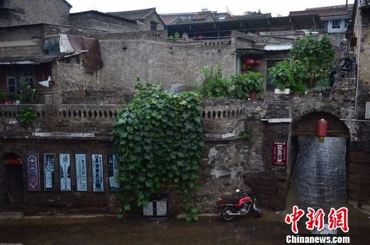 探访中国民居第一村:古代高官私宅8道机关防盗