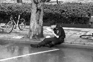 南京暴雨过后,留下了这些感人瞬间