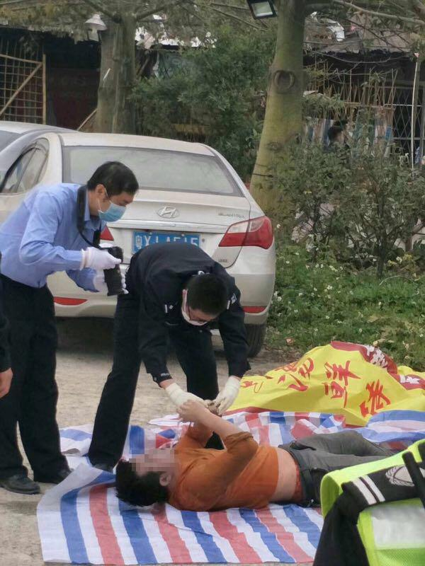 金沙国际备用网址:警方查处赌博窝点:多人跳鱼塘逃跑2人溺亡