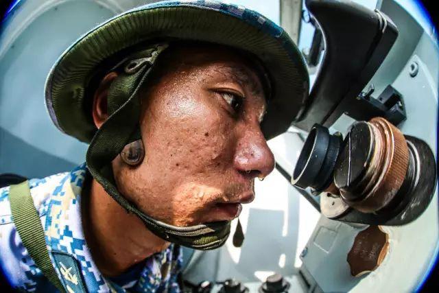 这组中国军人的盛夏照,为何让无数人心疼
