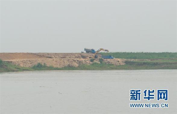 """洞庭湖现3万亩""""私家湖泊"""" 省市县政府都拆不掉"""