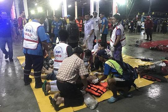 泰媒:泰国普吉岛沉船事故遇难人数上升至17人