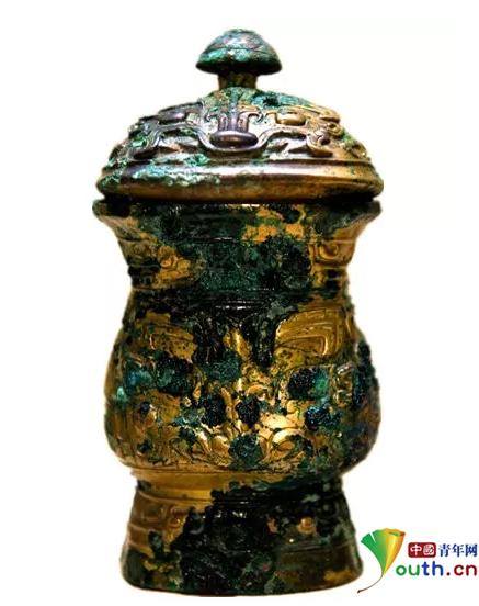 山西警方两个月追回文物5259件 战国蟠蛇纹建