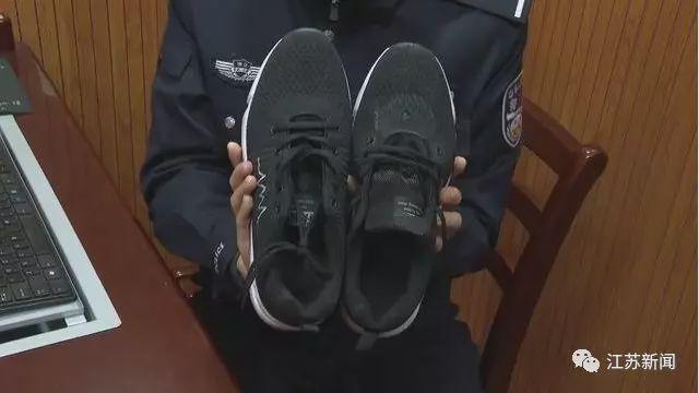 男子2個月偷拍90多部裙底視頻 作案工具竟然是鞋