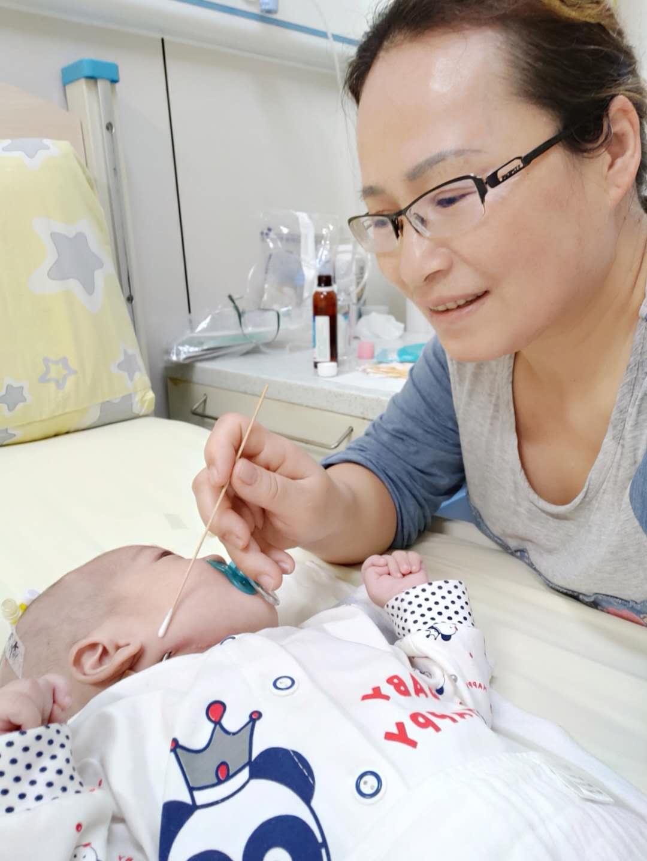 三省接力打通千里求生路 武汉罕见病宝宝在南京获治