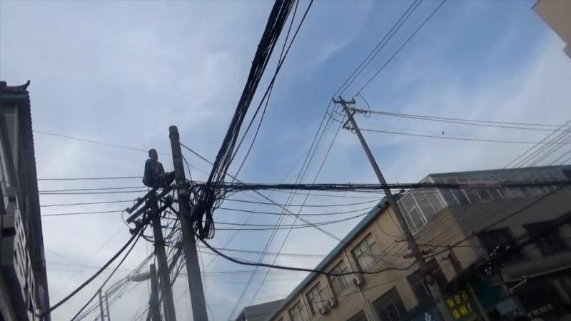 【电线杆】紧急救援后,自杀的获救了,有人却因断电而死亡