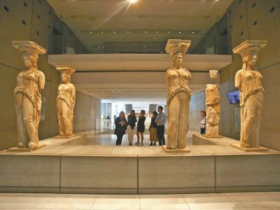 习近平主席参观雅典卫城博物馆特写