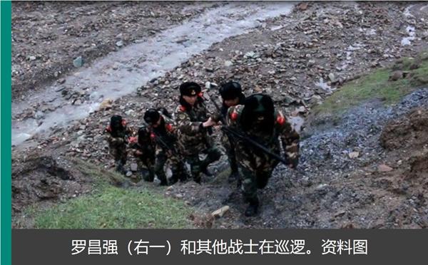 在这海拔4868米的昆仑山上,战士们默默奉献着自己的青春。他们在青藏高原无人区居住,在风雨交加的夜晚去巡逻,守着这条通往拉萨的雪域天路。自武警青海总队执勤支队2006年7月上勤以来,官兵们精心守护了13多万趟列车平安穿行。