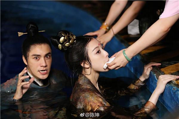 葡京官网:电视剧《凰权・弈天下》曝光最新剧照