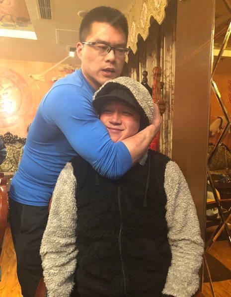潘粤明与丁宁聚餐 说了一句话就被教练锁喉…