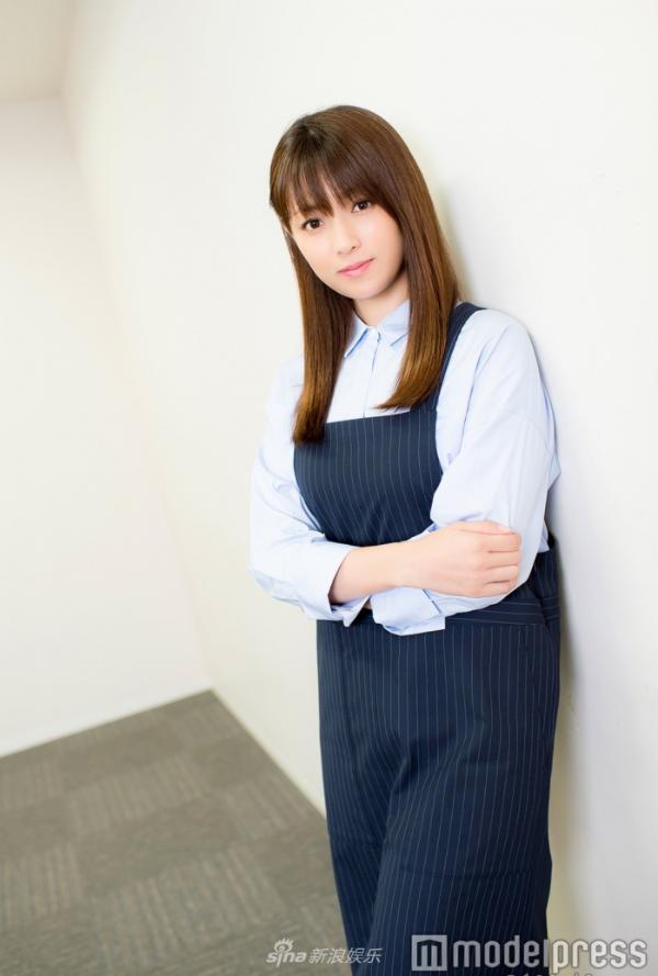 组图:深田恭子接受采访 传授美丽秘诀和成功经验