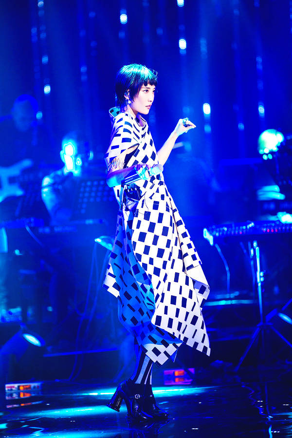 《歌手》Jessie J三连冠 苏诗丁踢馆成功