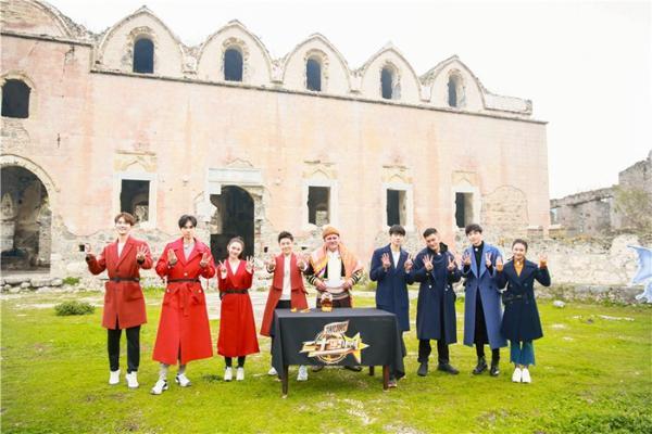 《二十四小时》林志颖余文乐带队比拼 胡一天挑战滑翔伞