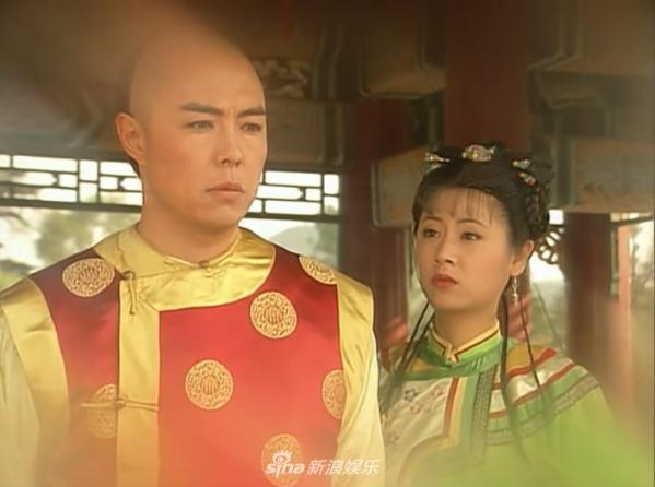 组图:张铁林早年旧照曝光 五官清秀显帅气