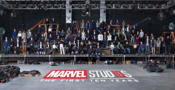 组图:漫威电影宇宙10周年 超级英雄齐聚画面壮观