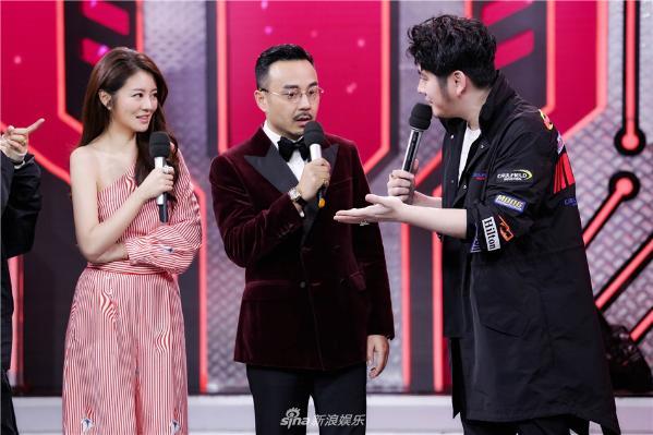 组图:安以轩做客《天天》变红娘 称要给钱枫介绍对象
