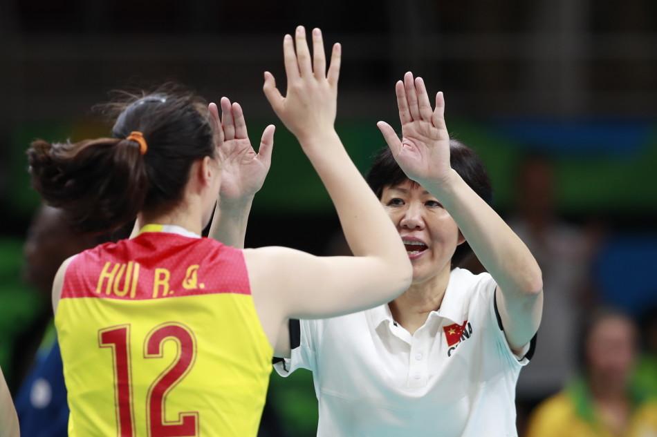 中国女排逆转夺金 郎平:这个人发球很菜