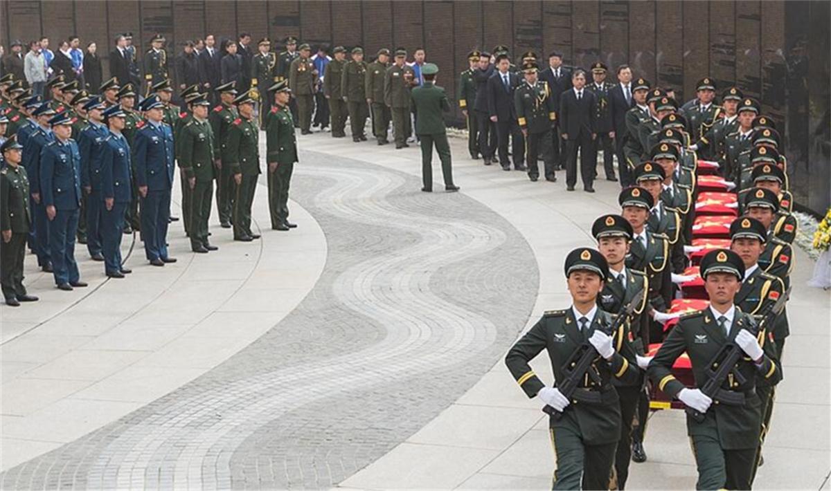 第六批在韩中国人民志愿军烈士遗骸在沈阳安葬.jpg